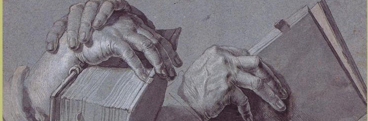 two-hands-holding-a-pair-of-books.jpg! detalhe_3_0.png